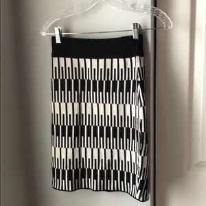 ASOS black & white knit sweater skirt- 6